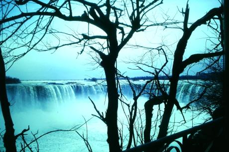 NIAGARA FALLS PHOTOGRAPHED BY SUSANNE.HAERPFER@BITS.DE - HERE SYMBOLIC